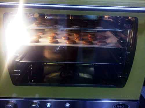 how to cook macarons in a convection oven